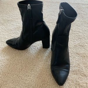Steve Madden black leather heeled booties